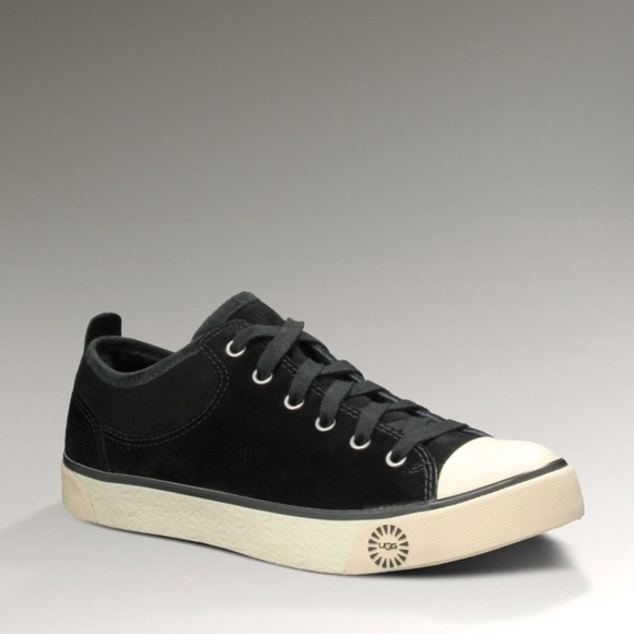 8efae02b655 UGG Evera Black Suede Shearling Sneakers Sz 8